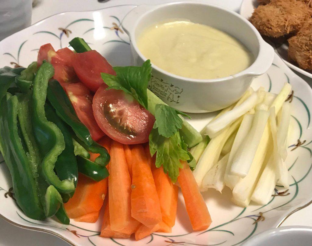 植物チーズのサラダ